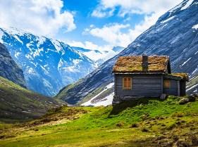 Mountain Cabin Jigsaw Puzzle