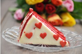 Red Velvet Cake With Roses Jigsaw Puzzle