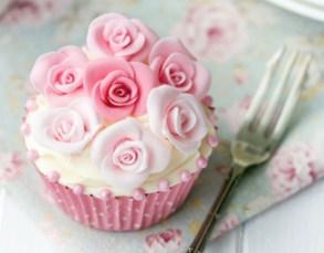 Rose Cupcake Jigsaw Puzzle